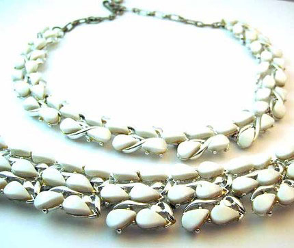 Vintage 1950s White Lucite Thermoset Necklace and Bracelet Set